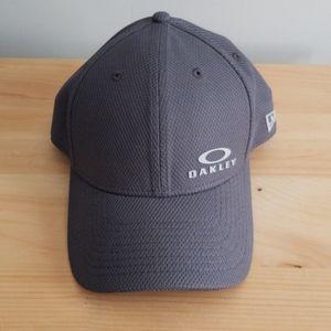 Oakley Men's Hat